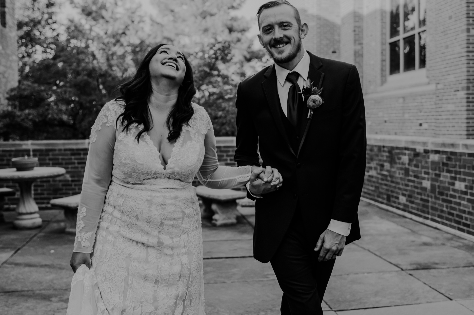 Wedding_family_photos_Lincoln_NE_Fall_October_First_Plymouth_Church_Lacy_Marie_Photography_Omaha_NE_2020_BW-312-large