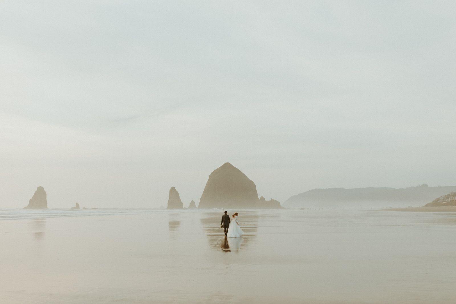 Canon-Beach-Wedding_-PNW-Oregon-Coast_-Lake-Tahoe-Elopement-Photographer_-Emma-Wynn-Paul_-0234-large
