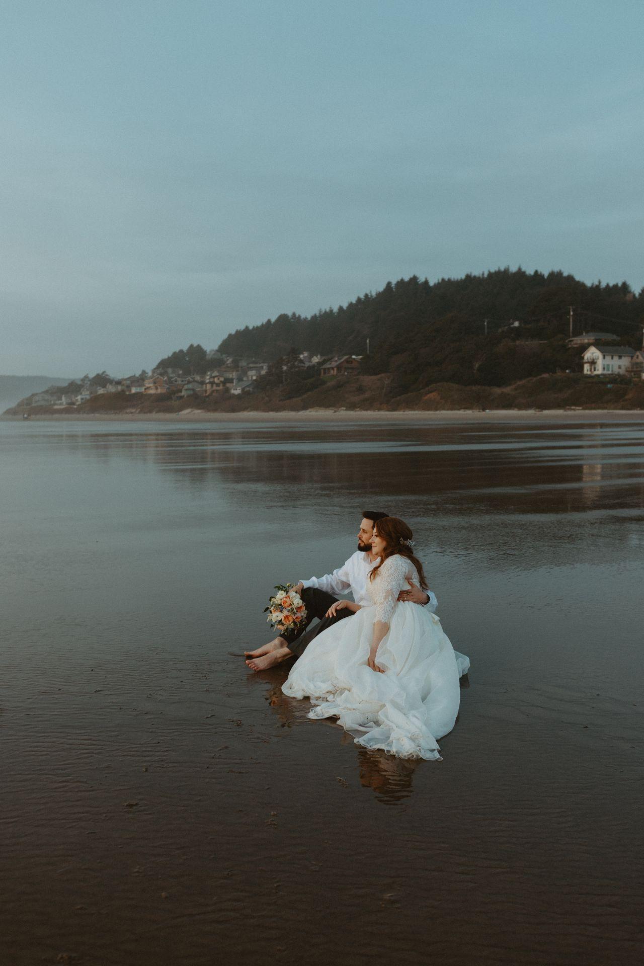Canon-Beach-Wedding_-PNW-Oregon-Coast_-Lake-Tahoe-Elopement-Photographer_-Emma-Wynn-Paul_-0391-large